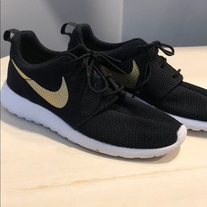Nike Shoes - Black with gold Nike swoosh